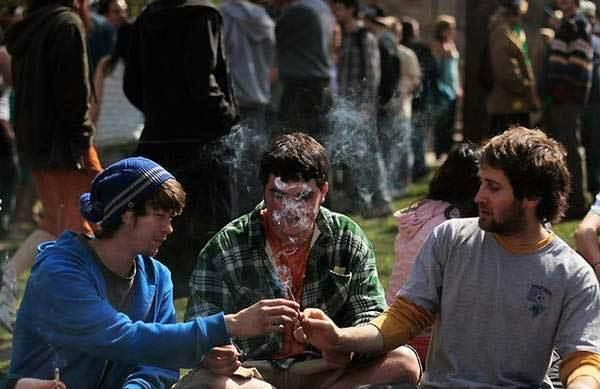 美国青少年吸食大麻